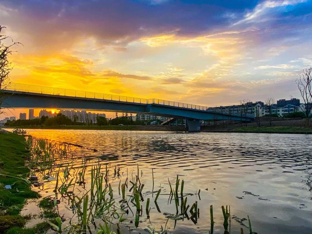 川流不息伯渎河