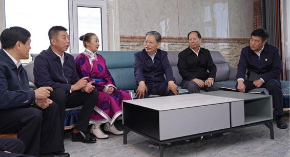 赵乐际在内蒙古调研时强调 坚持实事求是守正创新 推进新时代纪检监察工作高质量发展